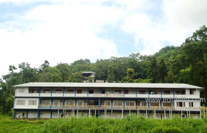 schoolbuilding1.jpg