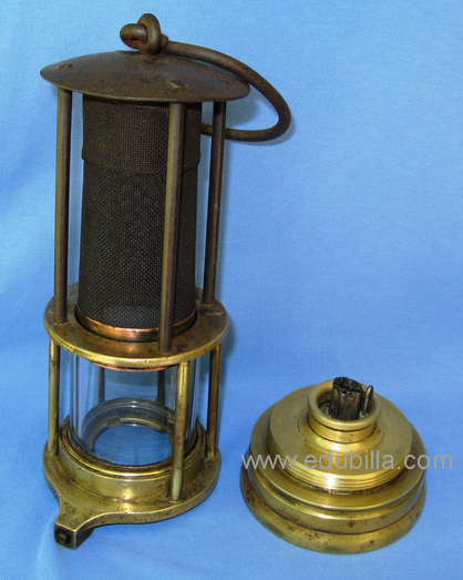 Penetration of the davy lamp