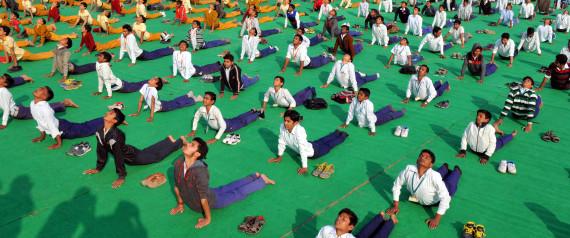 47/df/yoga-to-be-added-in-school-syllabus.jpg