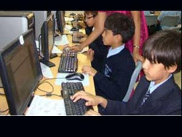 4a/04/e-vidyavahini-computer-literacy-vehicle-launched.jpg