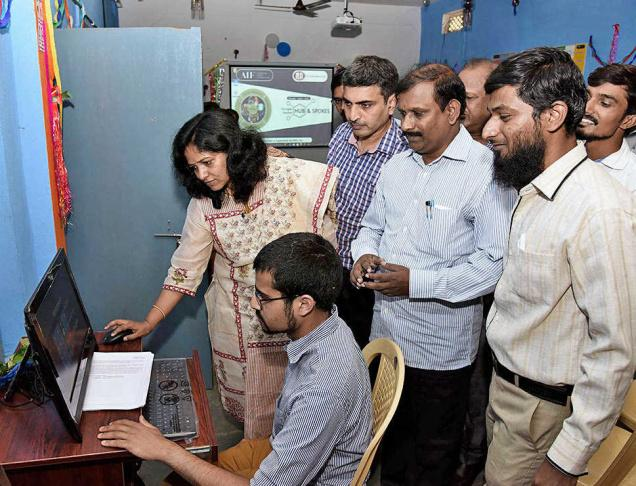 5e/18/digital-education-in-govt-schools-aif.jpg