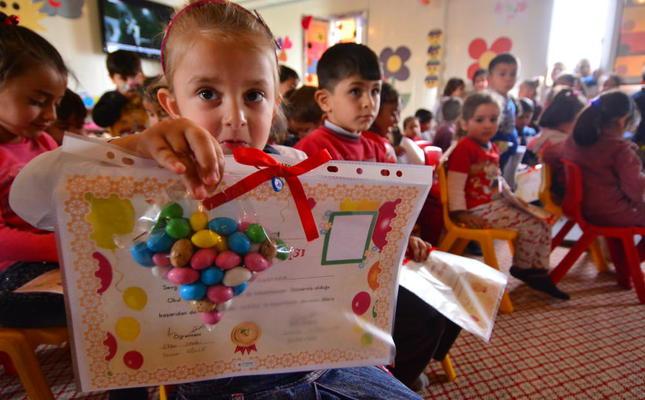 6b/da/turkey-allocate-1-billion-euros-to-educate-syrian-children.jpg