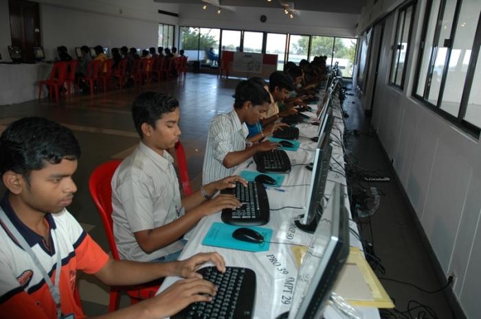 89/0e/kerala-schools-to-get-hi-tech-internet-facility.jpg