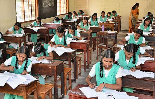B1/e3/tamil-nadu-sslc-exams-starts-today.jpg