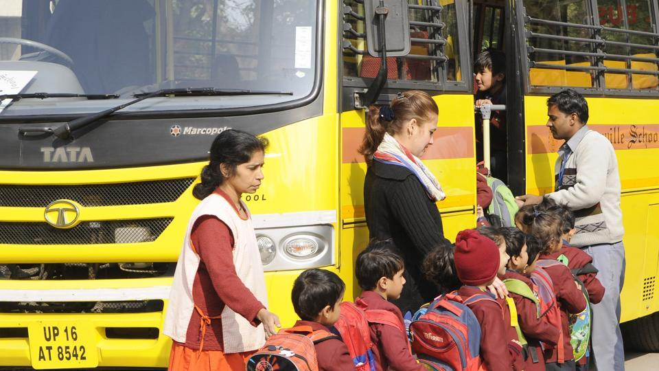 Ec/fa/cbse-reassures-student-safety-in-school-buses.jpg