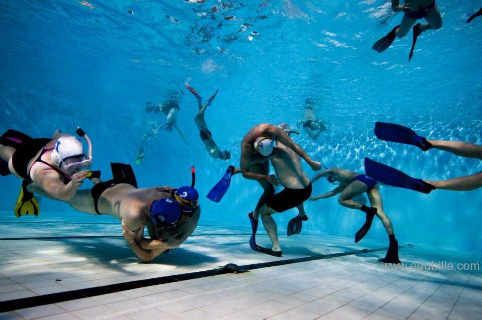underwaterrugby1.jpg