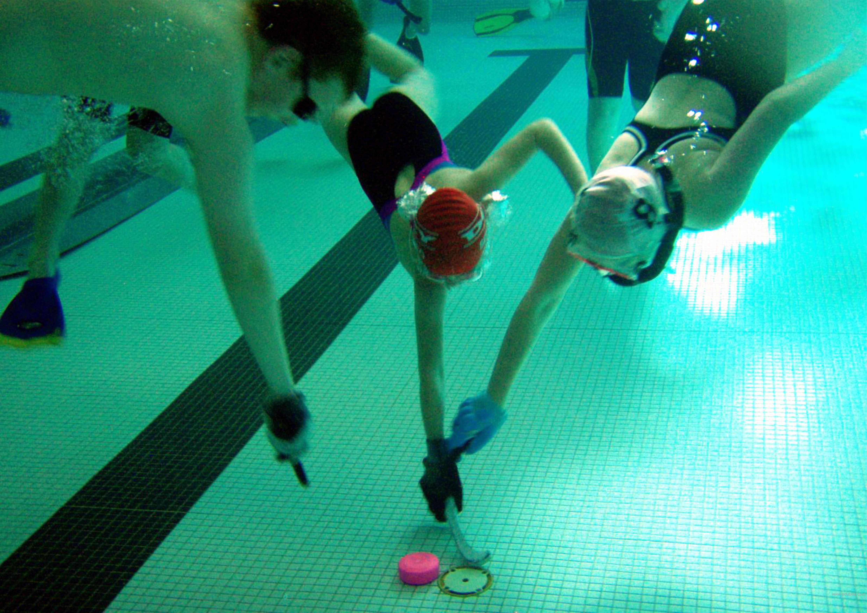 underwaterhockey13.jpg